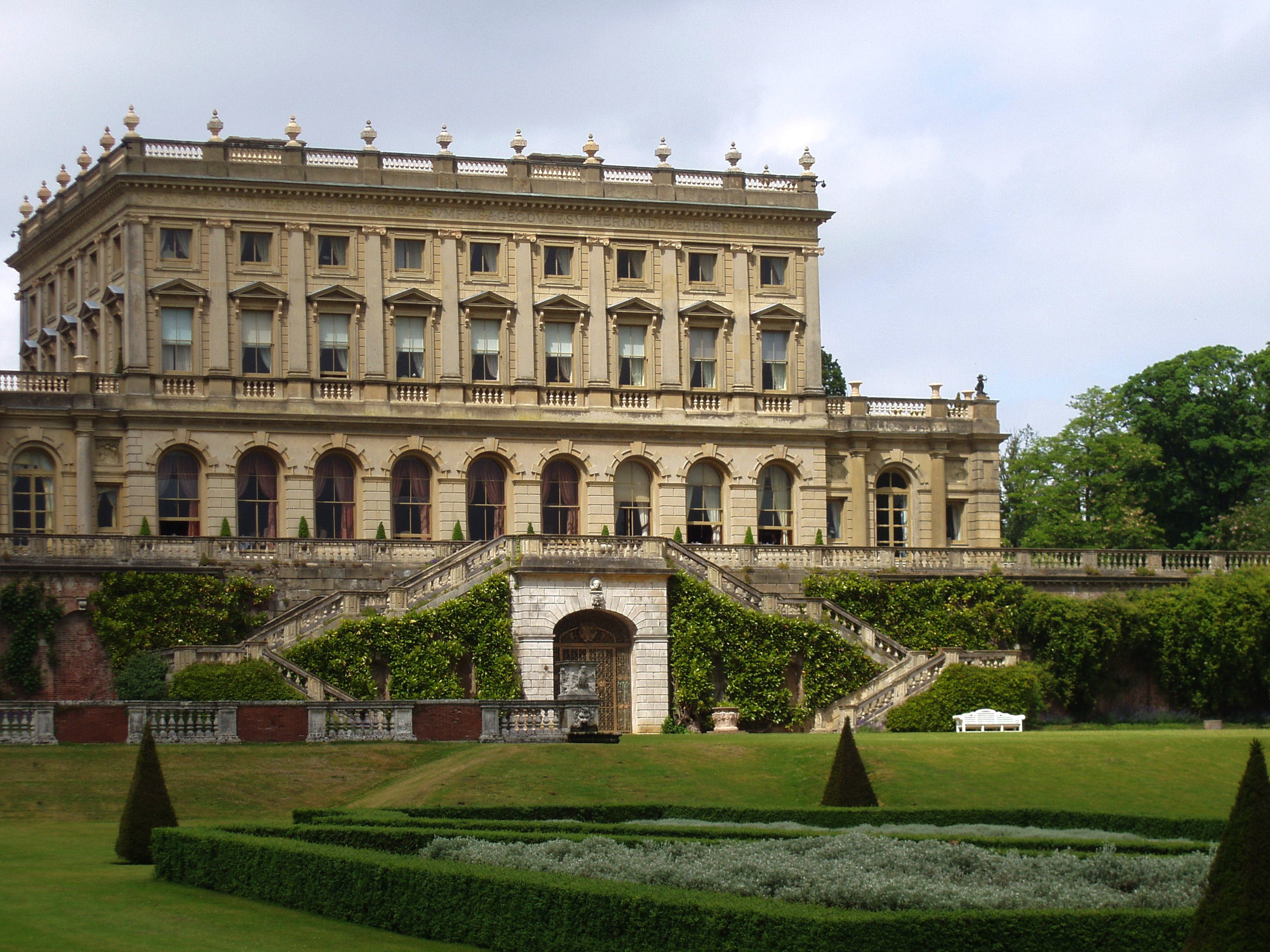 Great british houses cliveden house the house made for Mansion architecture