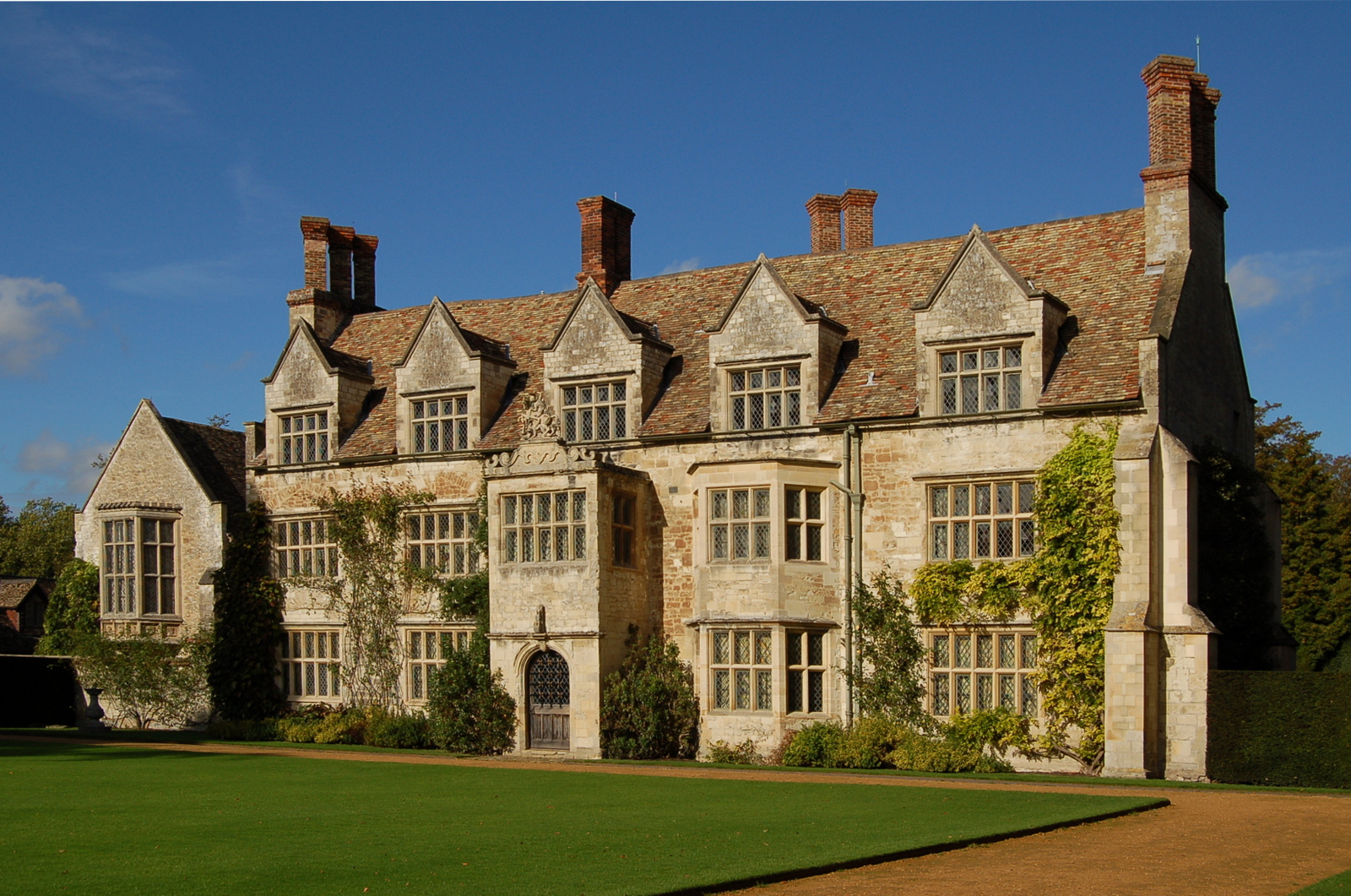 Great British Houses Anglesey Abbey A Stunning Country