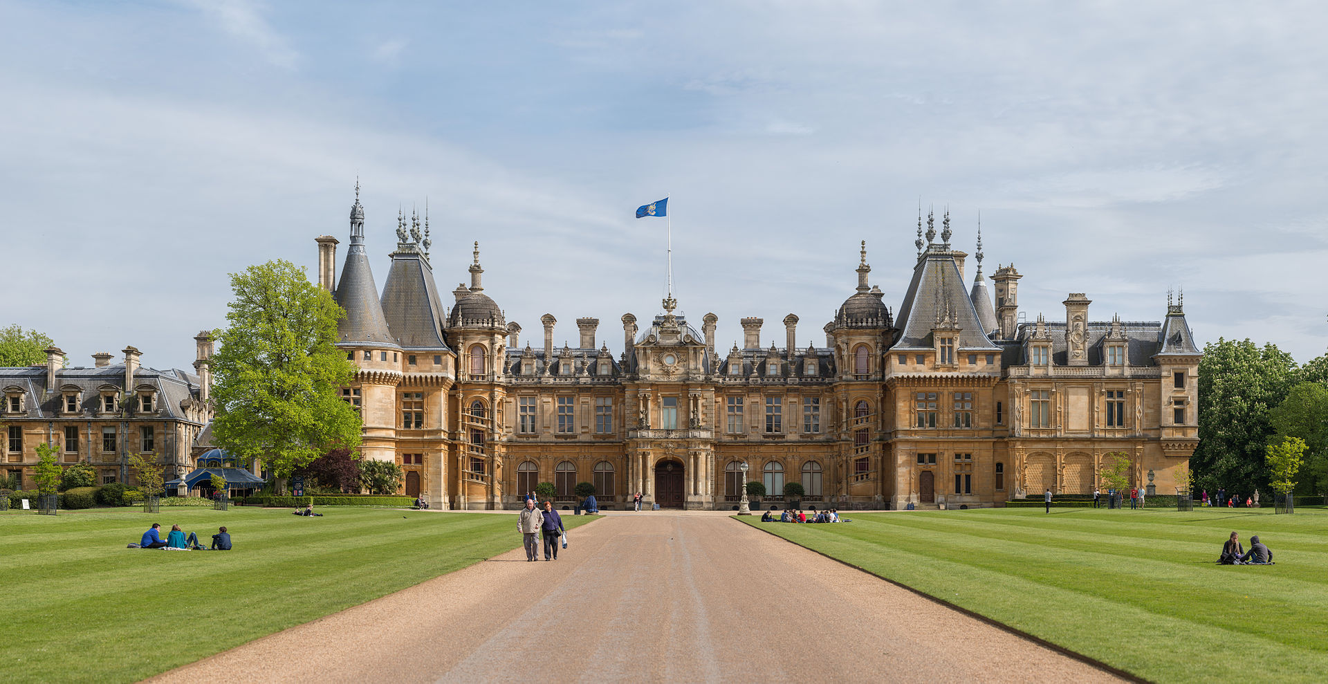 Great British Houses Waddesdon Manor The House Built By The Rothschild Banking Dynasty