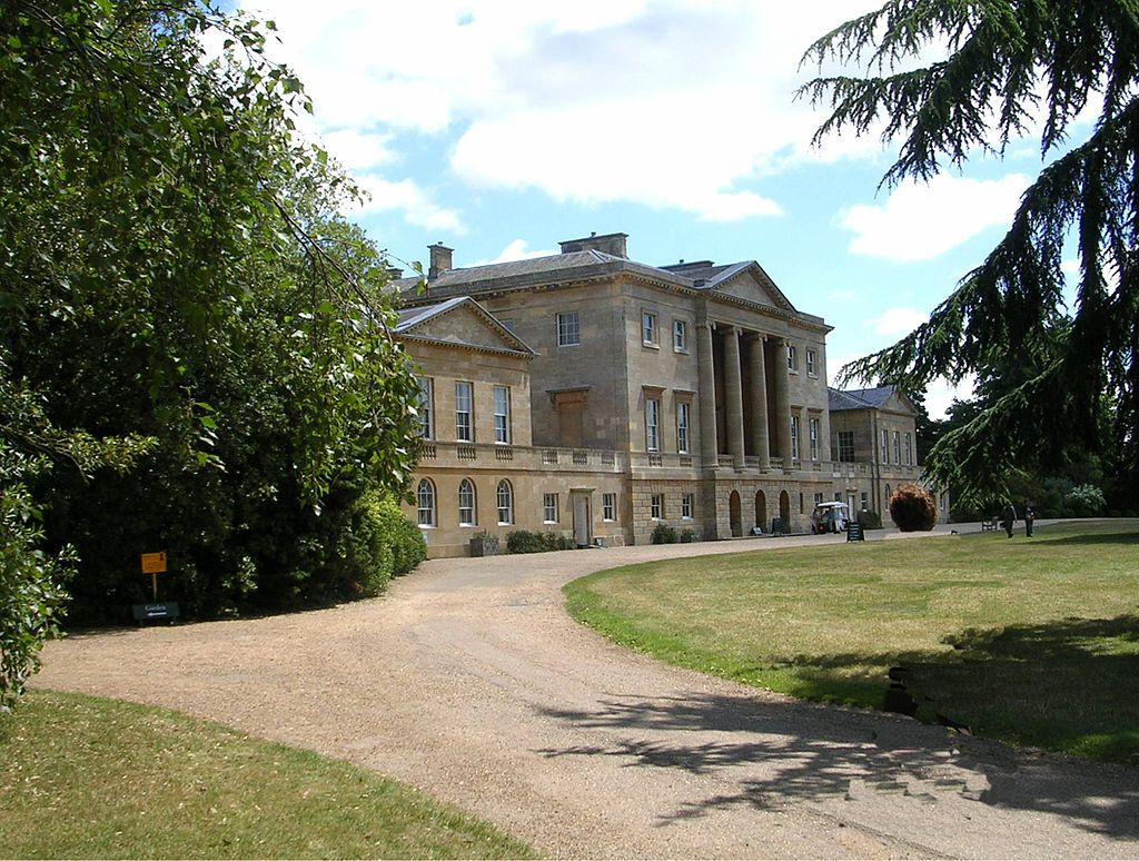 Great british houses basildon park a georgian for Downton abbey dowager house for sale